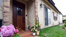笛吹市のエイジングのかわいらしいお家:玄関