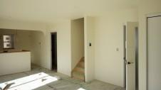 笛吹市 塗り壁のお家 内装工事 クロス貼り工事