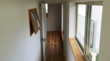 都留市 2世帯住宅 廊下