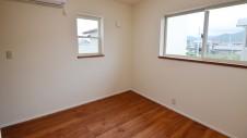 甲府市 漆喰の塗り壁の家 部屋3