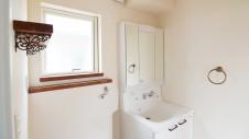 甲府市 漆喰の塗り壁のお家 洗面台