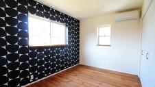 境川町 塗り壁の平屋 子供部屋