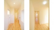 甲府市 塗り壁のお家 明るい廊下