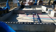 山梨市 塗り壁とエイジング加工のかわいい家 土台敷き工事1