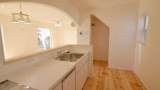 笛吹市 パイン無垢材の床の家 キッチン2