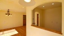 甲斐市 落ち着いた雰囲気の漆喰塗り壁のお家 リビング3