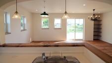山梨市 塗り壁とエイジング加工のかわいい家 キッチンエリア2