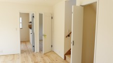 甲府市 漆喰塗り壁のかわいいお家 内装工事19