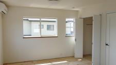 甲府市 漆喰塗り壁のかわいいお家 内装工事20