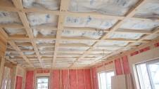 笛吹市石和町 エイジング加工のキュートな家 内装工事6