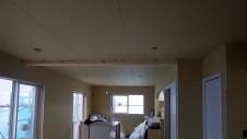 笛吹市石和町 エイジング加工のキュートな家 内装工事9