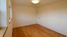 山梨市 塗り壁とエイジング加工のかわいい家 2F部屋7