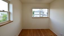 山梨市 塗り壁とエイジング加工のかわいい家 2F部屋9