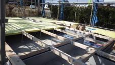 北杜市高根町 漆喰とウッドデッキのお家 土台敷き2