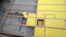 甲府市山宮に建つエイジング加工を施した大きなお家 土台敷き2