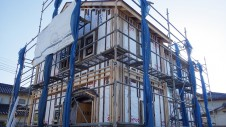 中央市浅利 自然素材の漆喰外壁のお家 外装工事3