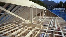 甲府市山宮に建つエイジング加工を施した大きなお家 上棟工事4