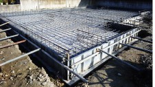 甲府市山宮に建つエイジング加工を施した大きなお家 基礎工事2