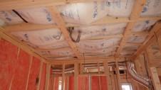 中央市浅利 自然素材の漆喰外壁のお家 内装工事1