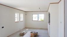 北杜市高根町 漆喰とウッドデッキのお家 漆喰塗りの内装