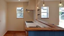 甲府市 漆喰塗り壁のかわいいお家 キッチンエリア