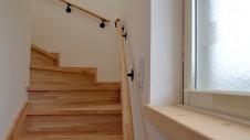 甲府市 エイジングのお家 階段