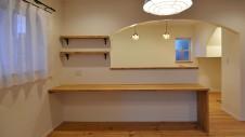 笛吹市石和町 エイジング加工のキュートな家 キッチン&造作カウンター