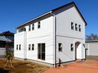中央市浅利 自然素材の漆喰外壁のお家