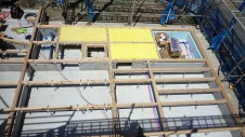 甲府市国母 漆喰と極厚フフローリングのカワイイお家 土台敷き1