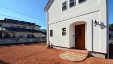 中央市浅利 自然素材の漆喰外壁のお家 外観写真4