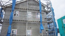 山梨市 大好きな自然素材の漆喰のこだわりのお家 外装工事13