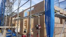 甲斐市 書斎からガレージが見えるインダストリアルデザインのお家 上棟工事3
