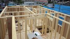 甲府市国母 漆喰と極厚フフローリングのカワイイお家 上棟6