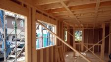 甲斐市 書斎からガレージが見えるインダストリアルデザインのお家 上棟工事6