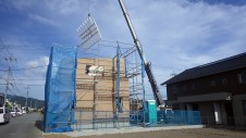 甲斐市 書斎からガレージが見えるインダストリアルデザインのお家 上棟工事8
