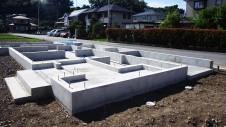 甲斐市 書斎からガレージが見えるインダストリアルデザインのお家 基礎工事10