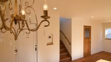 中央市浅利 自然素材の漆喰外壁のお家 リビング2