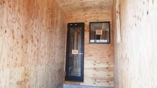 甲斐市に建つ書斎からガレージが見れるインダストリアルデザインのお家