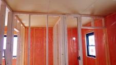 甲斐市 書斎からガレージが見えるインダストリアルデザインのお家 内装工事8