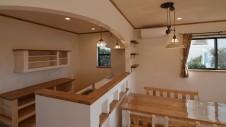 甲府市山宮に建つエイジング加工 キッチン2