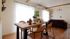 市川三郷 猫ちゃんが快適に住めるカワイイお家 リビング6