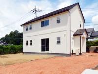 かわいい家は北杜市高根町 完成外観写真1