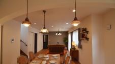 甲斐市に建つ書斎からガレージが見れるインダストリアルデザインのお家3