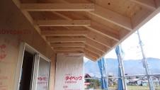 甲州市に建つ太陽光発電とお庭にこだわったお家 上棟工事4