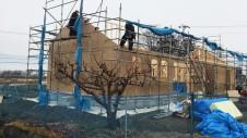 笛吹市に建つ広々フラットハウス 上棟作業3