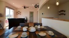 笛吹市に建つくつろぎのカフェスタイルのお家-内装2