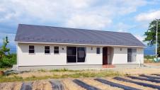 笛吹市に建つ広々平屋のフラットハウス