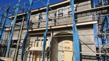 中央市に建つ自然素材の漆喰を使った塗り壁のかわいいお家