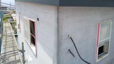 笛吹市に建つ、仲良し二世帯が暮らす漆喰塗り壁のお家